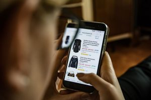 Amazon par debit card se emi kaise kare